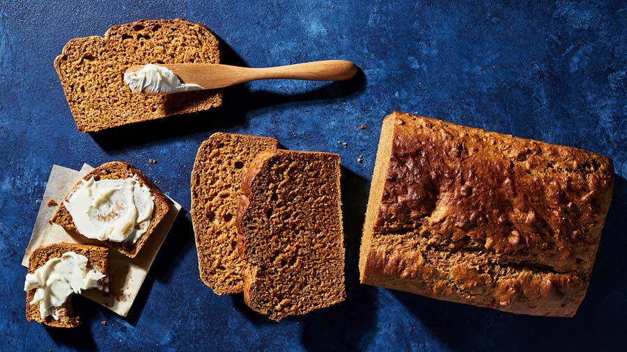 This is a rich-tasting, low-fat quick bread -- Honey Molasses Wheat!  -- you'll make again and again